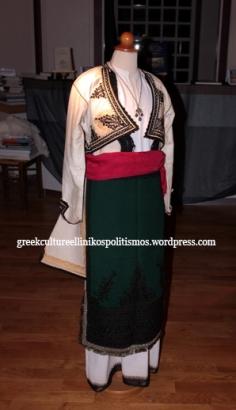 αυθεντική τελεθριακή φορεσιά από το χωριό Πολύλοφος στο όρος Τελέθριο τέλη 19ου αιώνα αρχές 20ου